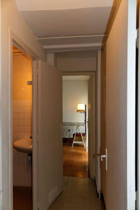 WC et lavabo de la chambre