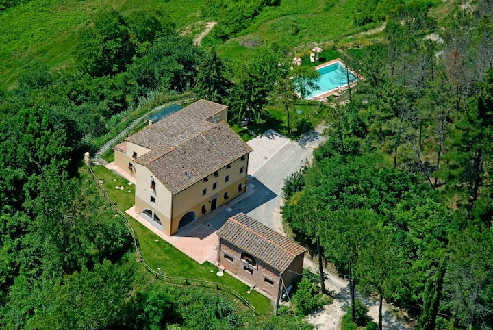 Tuscany - AGRITURISMO MONTECASTELLO