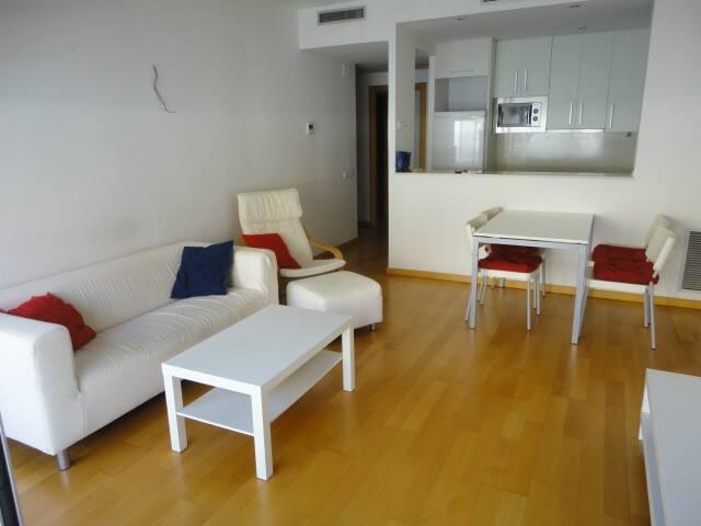 Apartamento nuevo con piscina - Barcelona - Daire