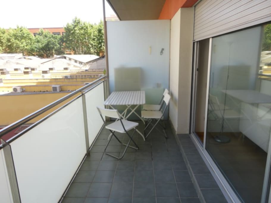 Apartamento nuevo con piscina apartamentos en alquiler for Apartamentos en madrid con piscina