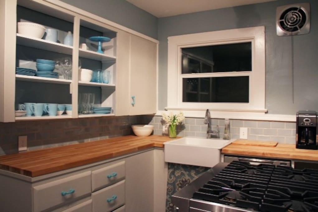 renovated vintage kitchen with Viking range and new appliances