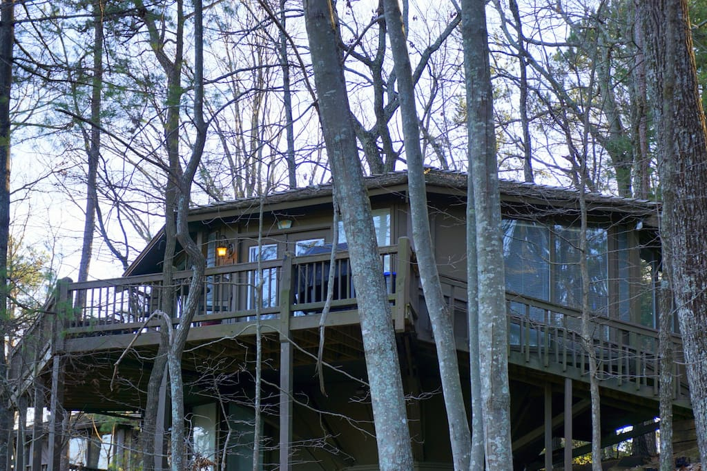 Front of Tree House in Winter- Huge deck offers 180 degree vista