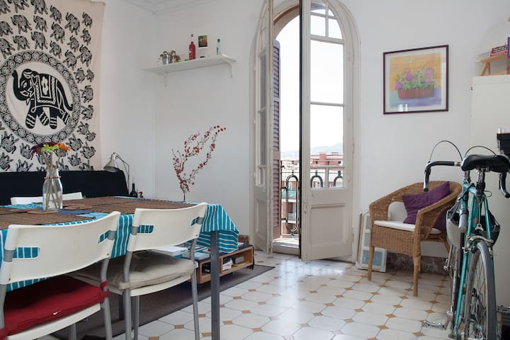 Nice double room, BCN city center