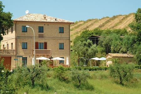 Apartment among breathtaking hills! - Monsampolo del Tronto