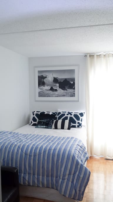 Bedroom available for lease (2nd floor via stairs)