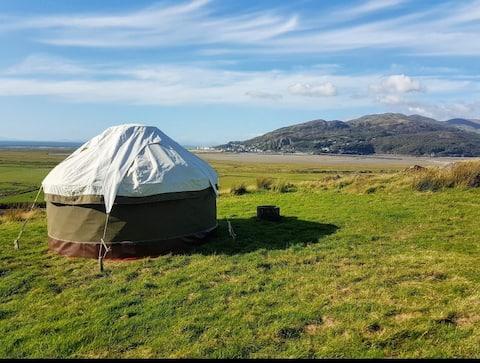 Stunning Snowdonia views, in a beautiful Yurt