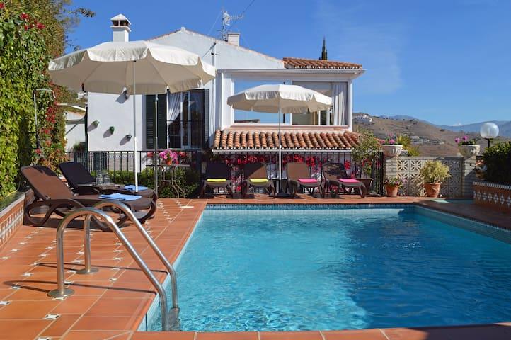 Villa Los Geranios - Private Pool & Stunning Views