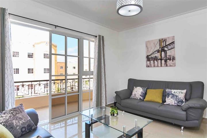 Apartamento Nuevo y Remodelado con Piscina