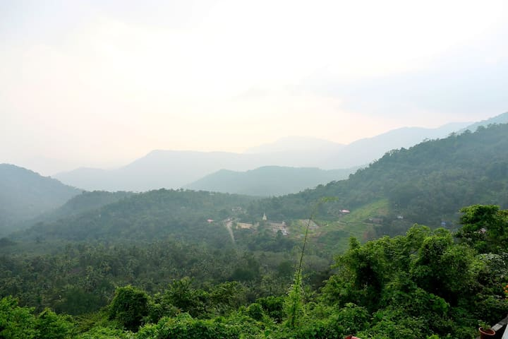 Long view of nearby village Pottenplav