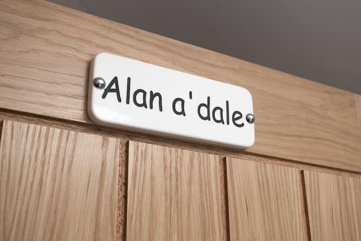 Alan A Dale