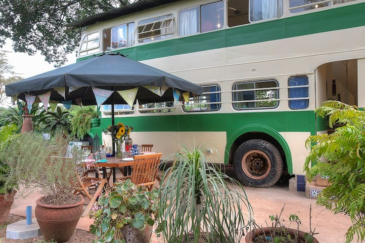 The Brandy Bus - Renovated Bus in Quiet Paradise - Nairobi - Hus