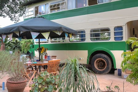 The Brandy Bus - Renovated Bus in Quiet Paradise - Ναϊρόμπι - Σπίτι