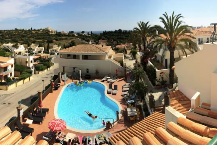 2BR Townhouse, Ocean Views, 5min to Beach & Pool