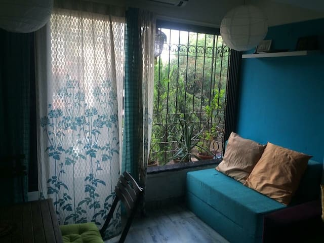 A charming 1bhk in lovely location - Mumbaj - Apartament