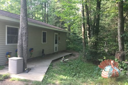 Northwoods getaway-great location