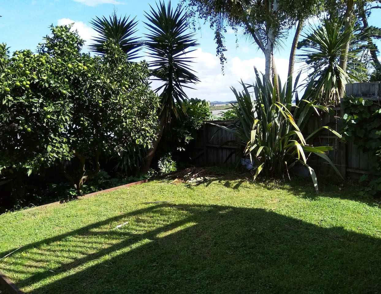 Studio with a view near the Auckland Airport - Guest suites for Rent ...