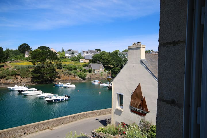 Villa sur le port de Doëlan, splendide vue mer