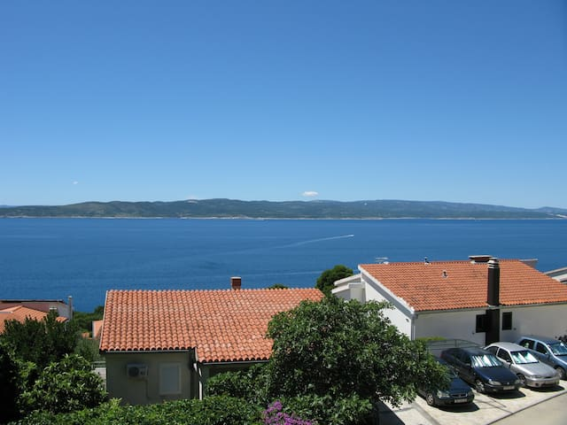 Sea view apartment in Brela