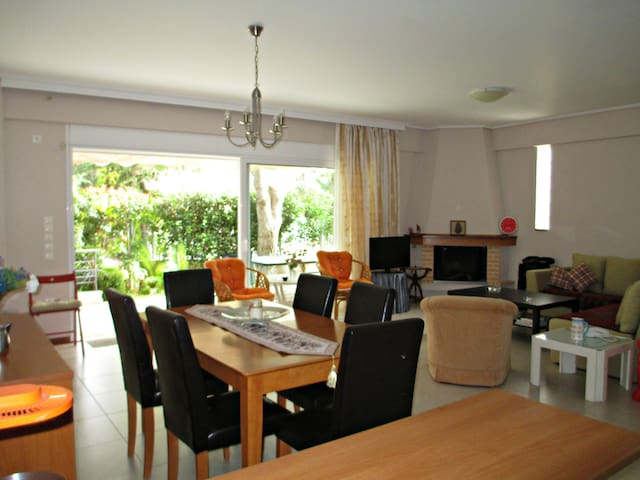 APARTMENT 10min FROM THE AIRPORT - Markopoulo Mesogeas