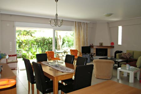 APARTMENT 10min FROM THE AIRPORT - Markopoulo Mesogeas - Lakás