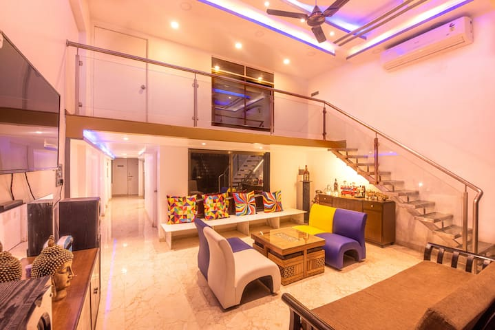 WeGoStay - Three60 Villa With Private Pool