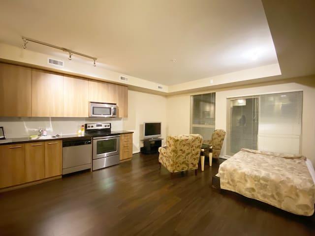 Modern 1 Bedroom Studio for Tourists/Students!!!!!