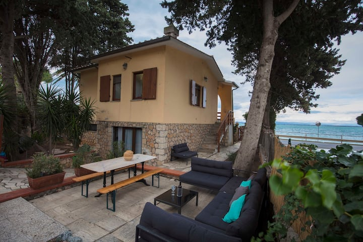 ON THE BEACH. Sofa chill space. Hammocks. Relax