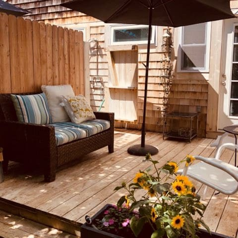 ❤️Southampton Guest Cabana near Town and Beach❤️