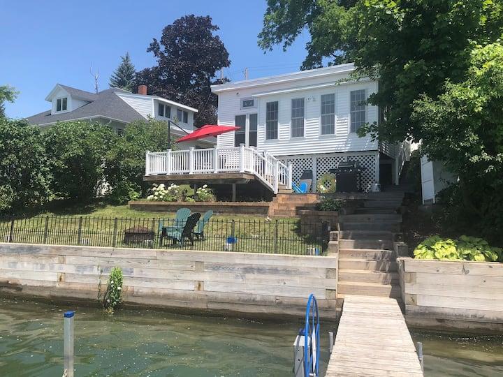 Beautiful lakefront house