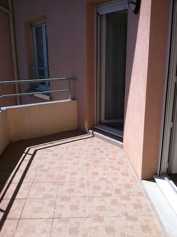 T2 - 3em étage, au centre de la ville - Pontcharra - Wohnung