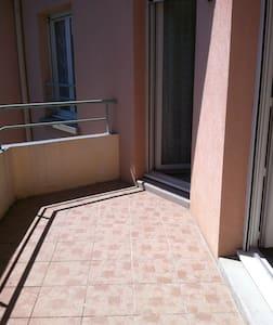 T2 - 3em étage, au centre de la ville - Pontcharra - Apartamento