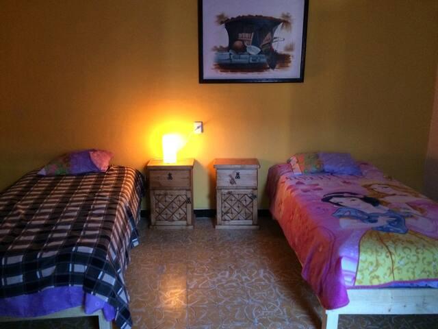 Habitación dos camas con desayuno - Puebla - Oda + Kahvaltı