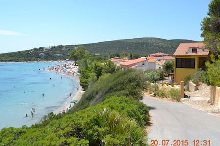 Apartment 20 meters from the beach - Sant'Antioco Maladroxia - บ้าน