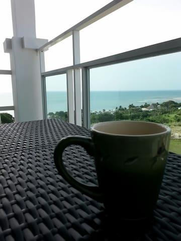 2 level 3 balcony Front beach Apt
