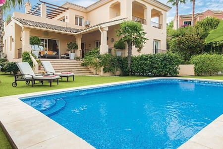 Sotogrande - Modern Villa with private pool - San Roque