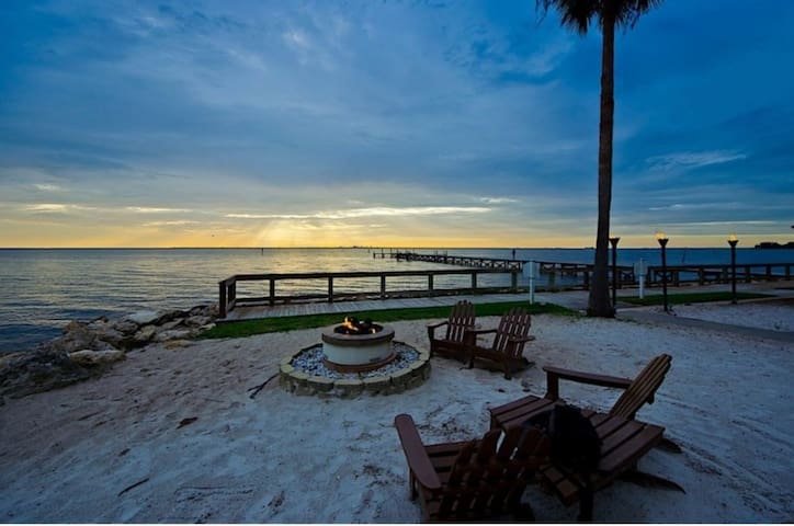 FALL PRICES! Sunset Bay-private beach resort
