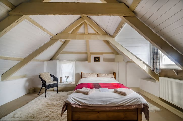 Attic Studio in Cottage Near Sea - Madron - Casa