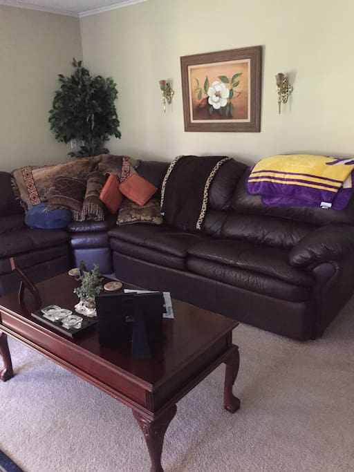 Louisiana Home Cooking In Den Houses For Rent In