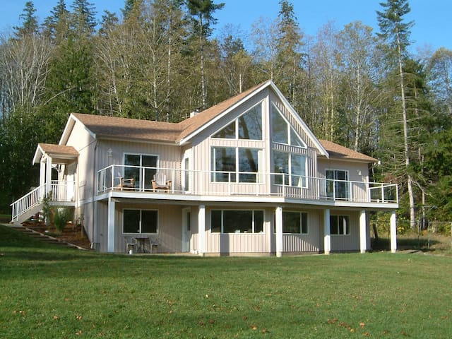Country Aire Bed and Breakfast - Fanny Bay - Bed & Breakfast