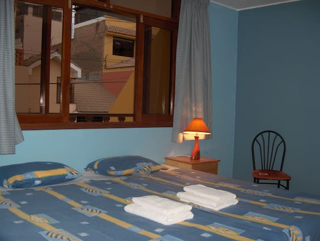 Double room with 1 king or 2 single - Callao - Bed & Breakfast