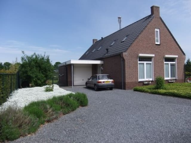 Bed en breakfast Landrust - Koningsbosch - Bed & Breakfast