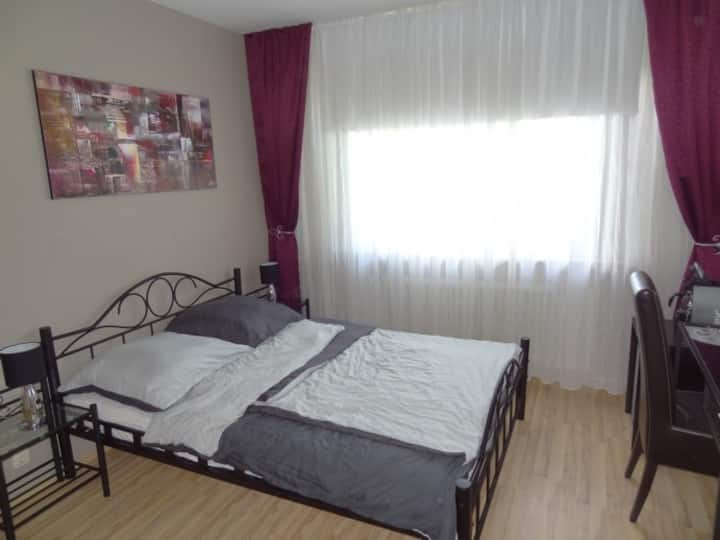 Elegant double room in the south of Cologne