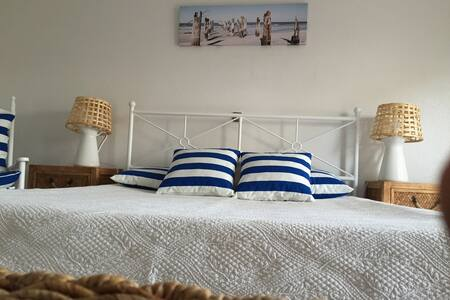 Flat with pool 5 minutes to beach - Porches - Apartemen