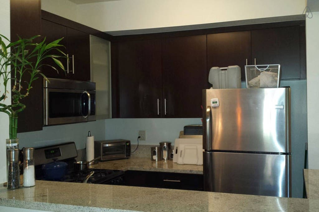 Stainless steel appliances, bar top