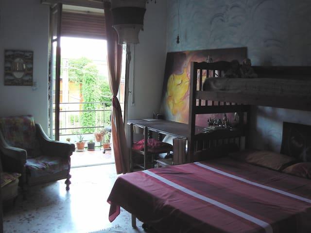 Double room with balcony on Etna - Tremestieri Etneo - Daire