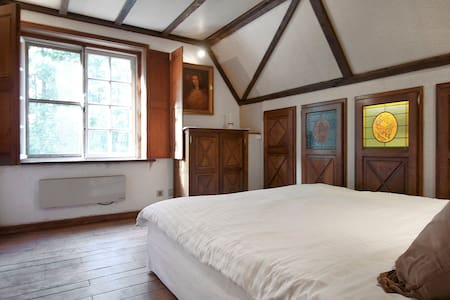 2 authentieke tweepersoonskamers - Sint-Martens-Latem