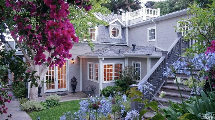 Sausalito Grand View Home Private & Serene
