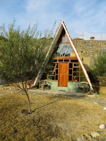 Quirky Mountain Cabin+inspirational breakfast