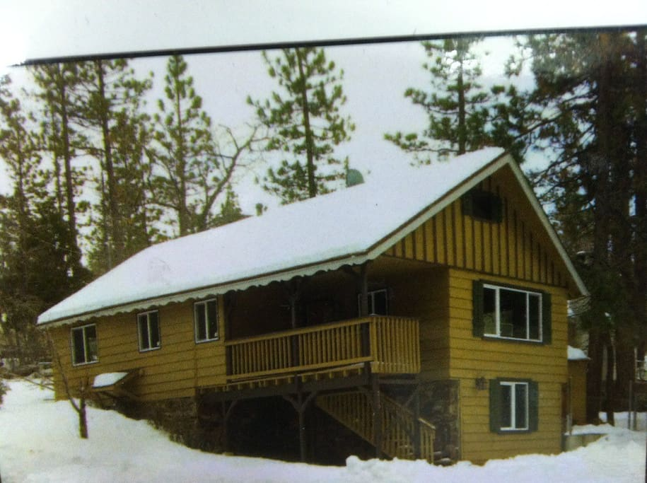Cozy cabin centrally located snow i cabins for rent in for Cabins for rent in big bear lake ca
