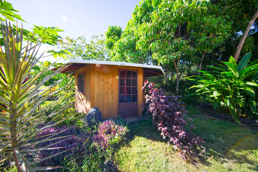 The Lovely Lilikoi Cabin